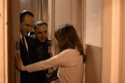 Муж - в Тверь, жена - в дверь? Мы войдем, а то как-то не по-русски.